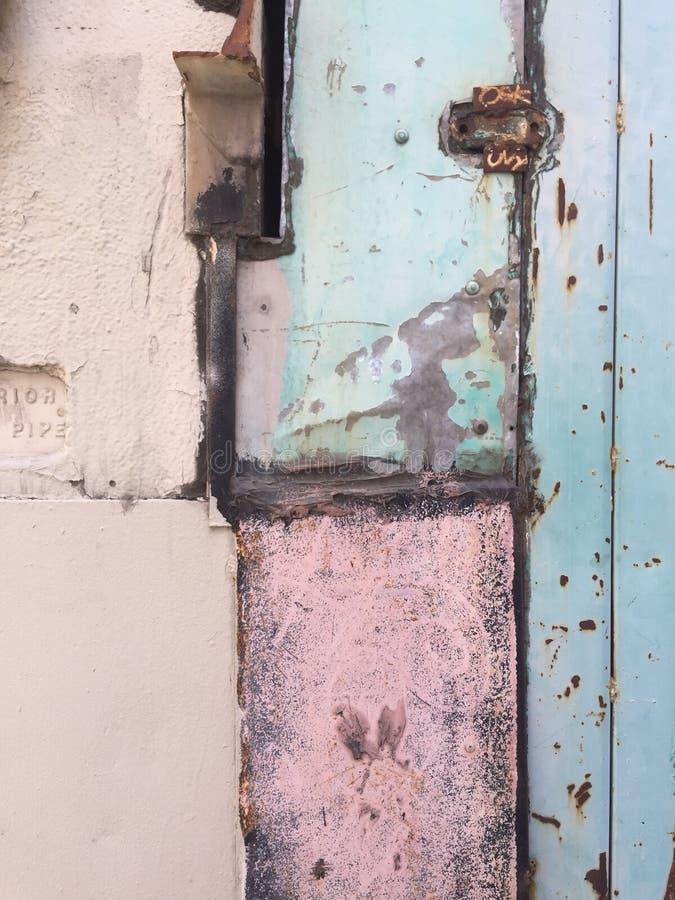 Grungy geschilderde verontruste geweven witte gewassen vloer royalty-vrije stock afbeelding