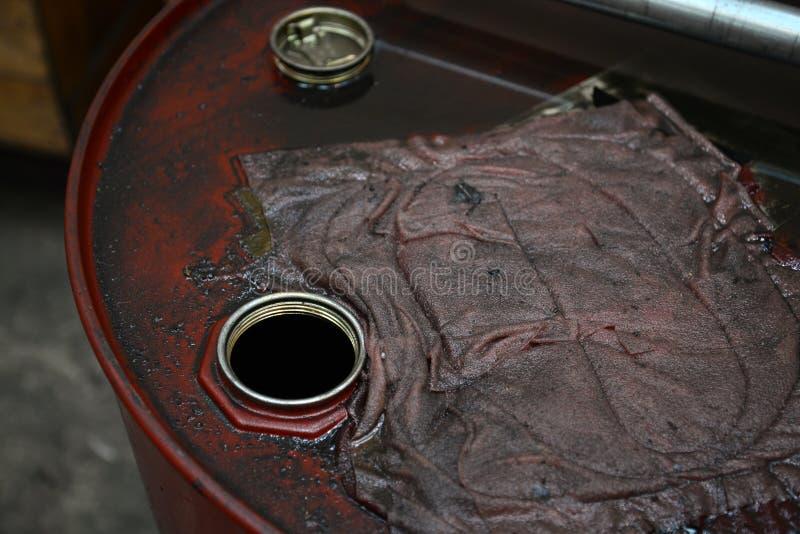 Grungy olietrommel stock fotografie