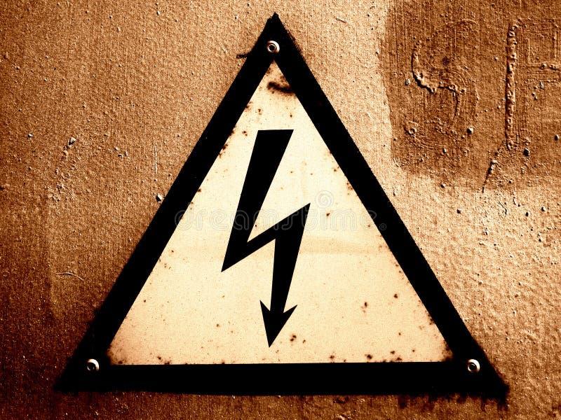 Download Grungy waarschuwingssein stock foto. Afbeelding bestaande uit erodeer - 47130