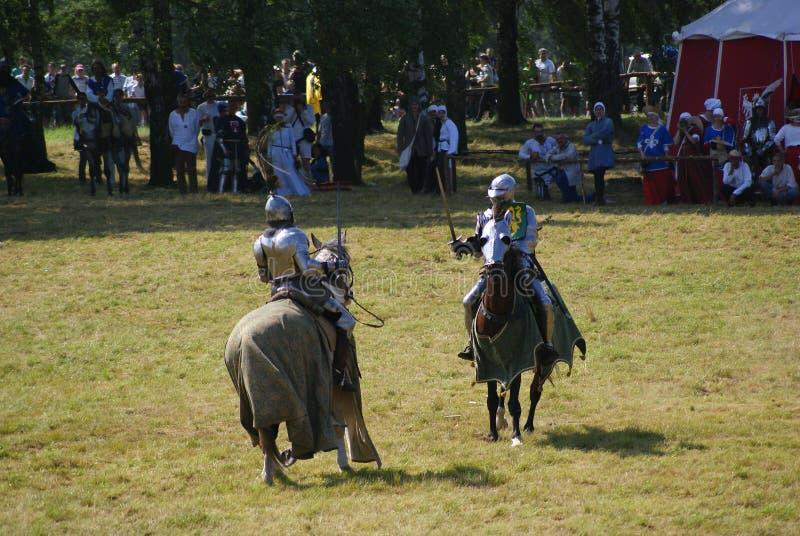 Grunwald, Polonia - 2009-07-18: Cavalieri montati fotografie stock