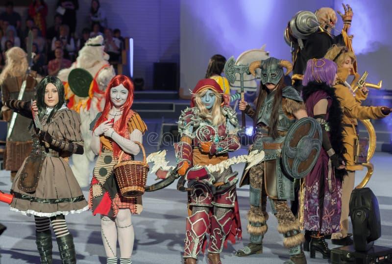 Grupa cosplayers poza podczas cosplay konkursu przy Animefest fotografia royalty free
