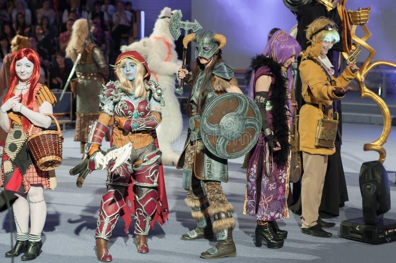 Grupa cosplayers poza podczas cosplay konkursu przy Animefest zdjęcia stock