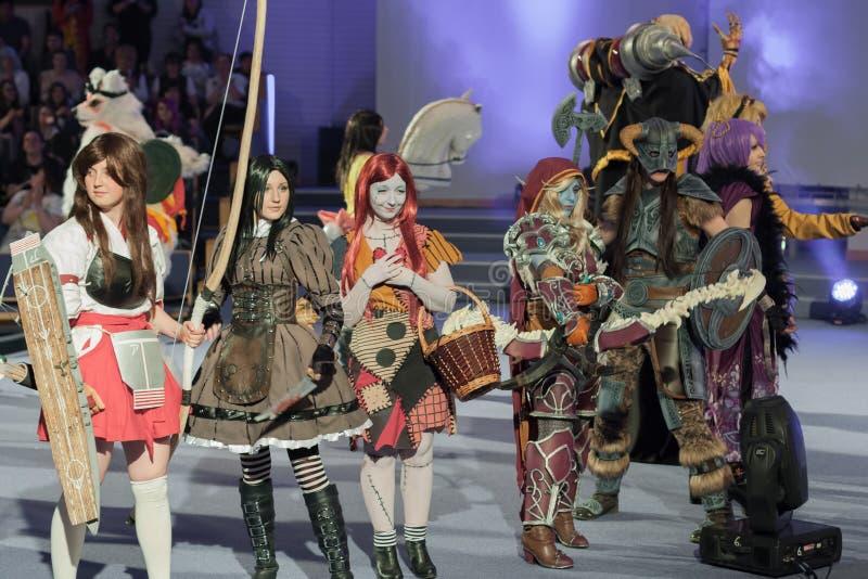 Grupa cosplayers poza podczas cosplay konkursu przy Animefest zdjęcie stock