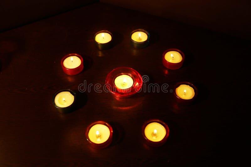 Grupa dekoracyjna świeczka podczas Diwali festiwalu obrazy stock