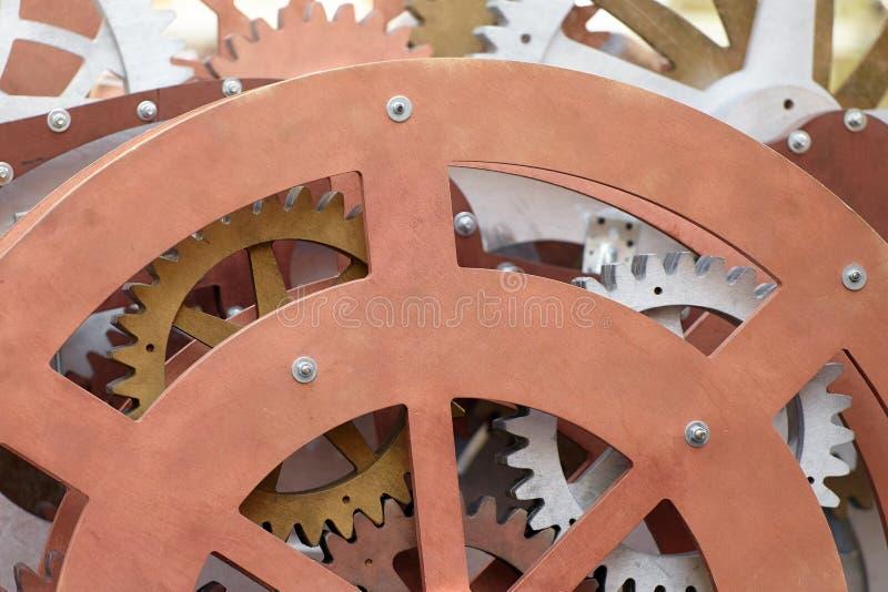 Grupa drewniana przekładnia i cogs, pojęcie pracującej przekładni mechanizm w górę widoku, fotografia stock