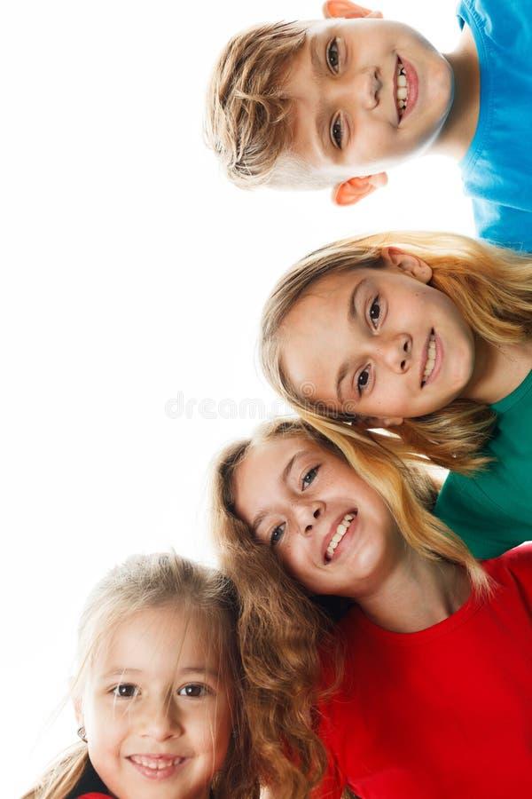 grupa dzieci do szkoły zdjęcia royalty free