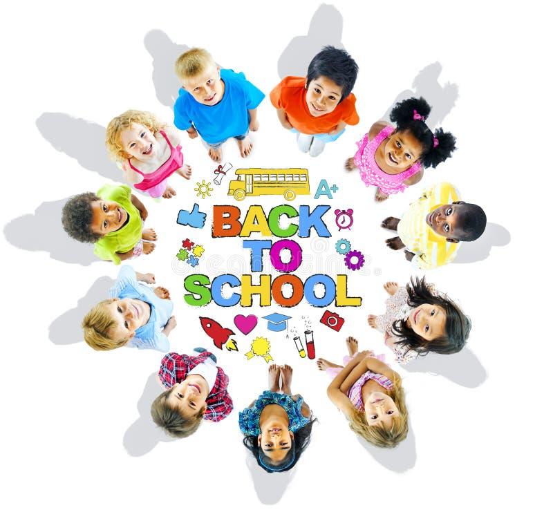Grupa dzieci i edukaci pojęcie obraz stock