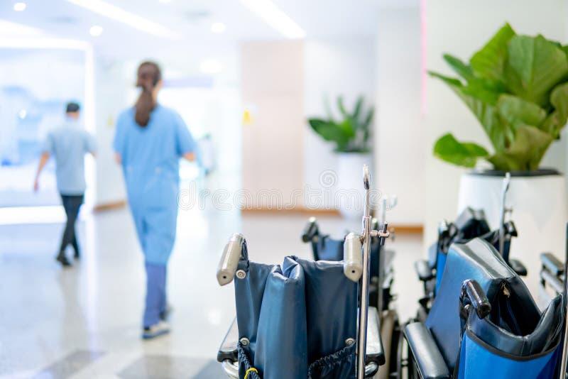 Grupa falcowanie wózek inwalidzki w szpitalu obraz stock