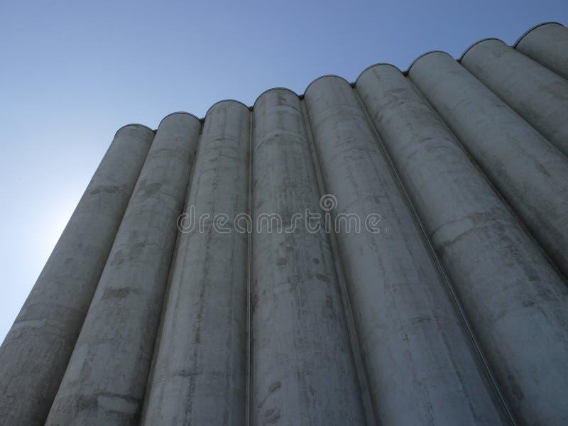 Grupa gigantyczny silos dla zboży zdjęcie stock