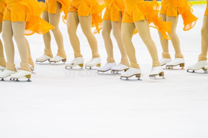 Grupa jazda na łyżwach kobieta fotografia stock
