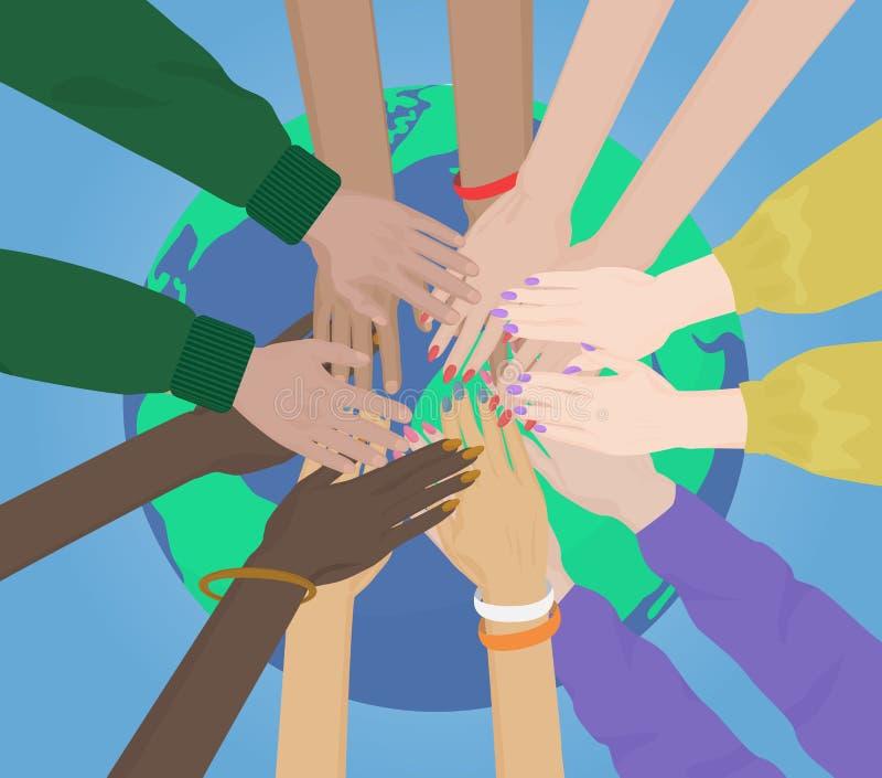 Grupa multiracial istota ludzka wręcza Wpólnie Łączyć na Ziemskim pojęciu Drużyna i zjednoczenie royalty ilustracja