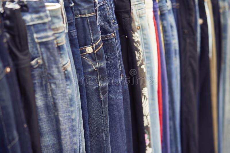 Grupa niebiescy dżinsy zdjęcia stock
