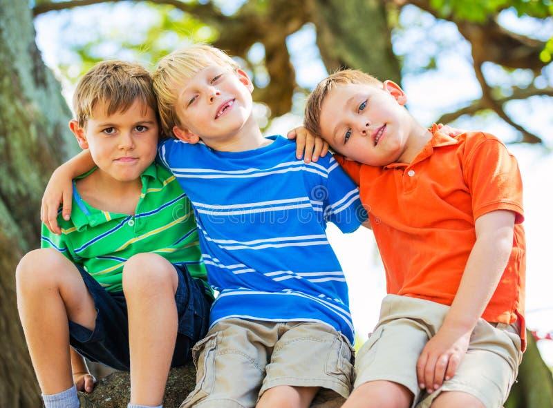 Grupa przyjaciele, dzieciaki obrazy royalty free