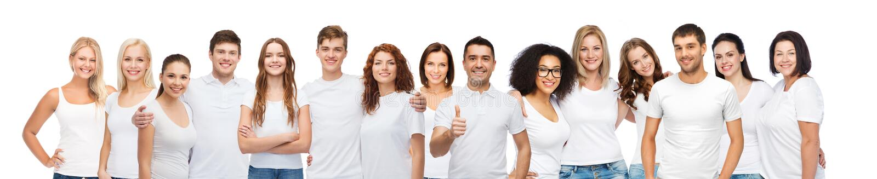 Grupa szczęśliwi różni ludzie w białych koszulkach zdjęcia royalty free