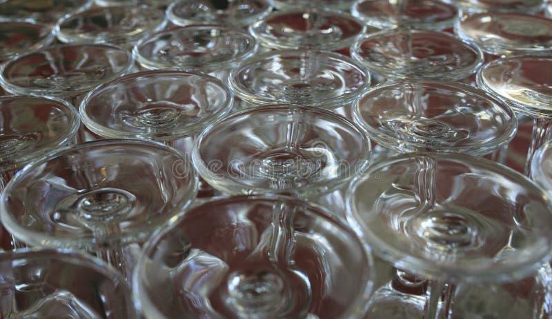 Download Grupa szkła wino obraz stock. Obraz złożonej z czerwień - 106917605