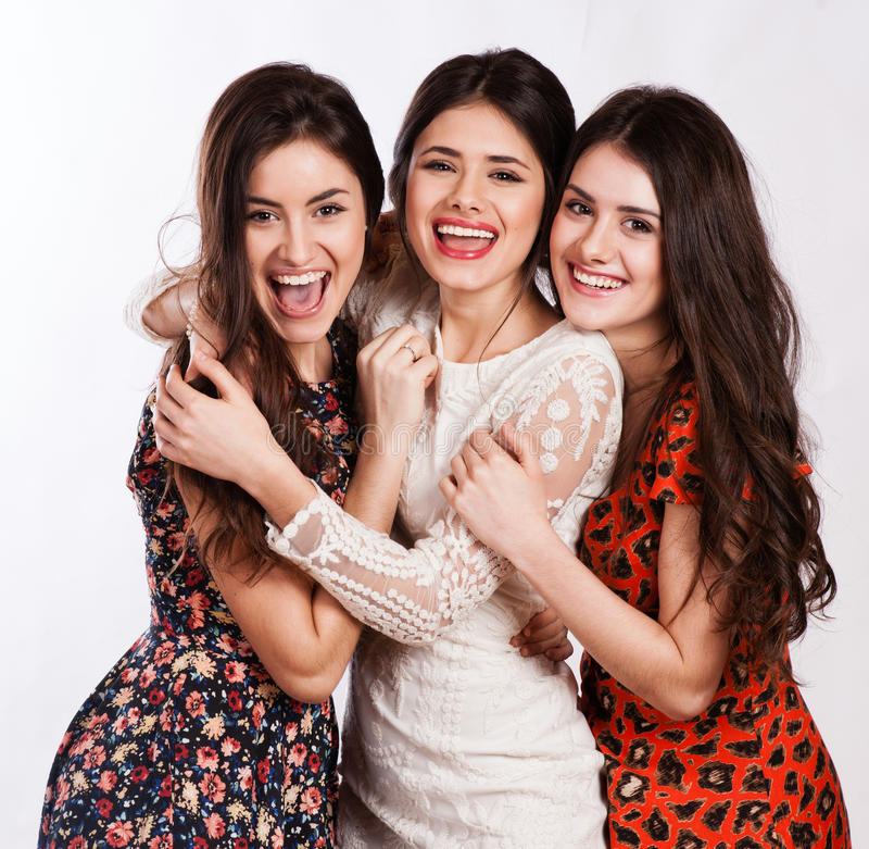 Grupa trzy seksowny, piękne młode szczęśliwe kobiety. zdjęcie royalty free