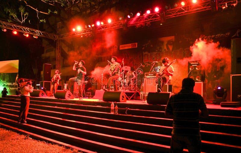 Grupo-Ashwamedh de la roca del Hindi que se realiza en etapa. imagen de archivo