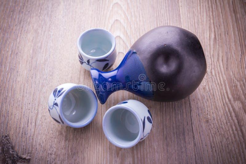 Grupo bebendo da causa japonesa imagens de stock royalty free