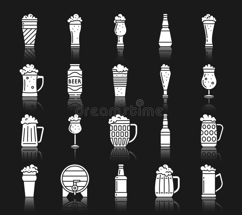 Grupo branco do vetor dos ícones da silhueta da caneca de cerveja ilustração stock