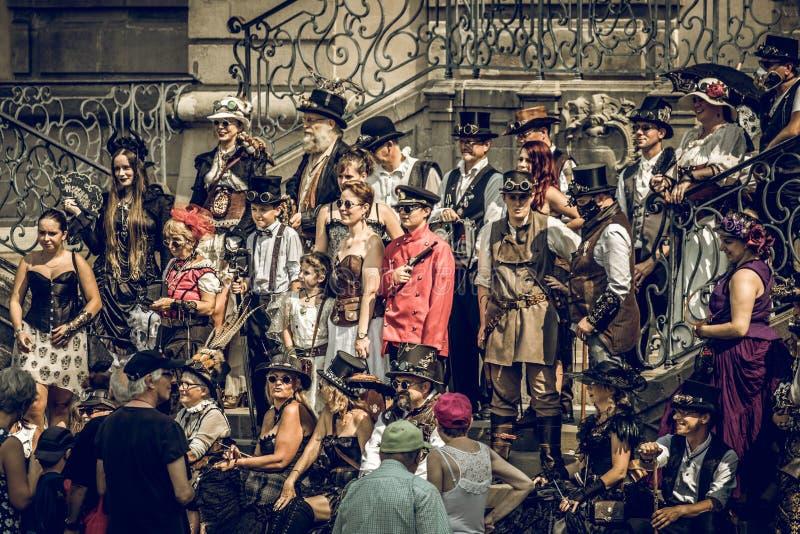 Grupo da convenção de Steampunk imagem de stock