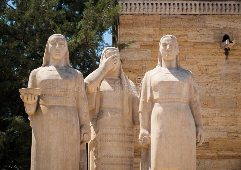 Grupo da escultura de mulheres em Anitkabir, Ancara fotos de stock royalty free