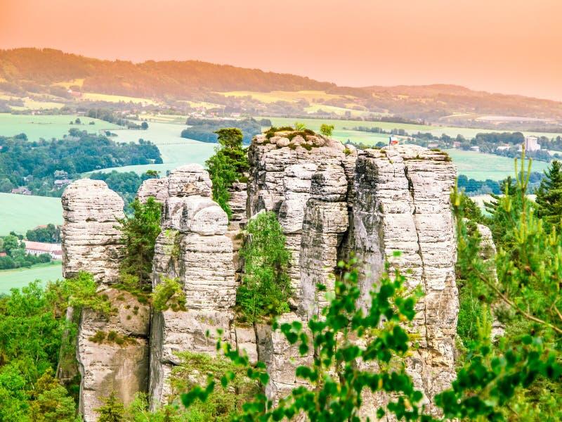 Grupo da formação de rocha do arenito no paraíso boêmio, aka no Cesky Raj, República Checa, Europa fotografia de stock