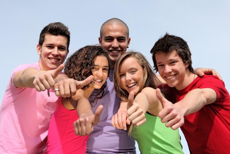 Grupo de adolescencias diversas imágenes de archivo libres de regalías
