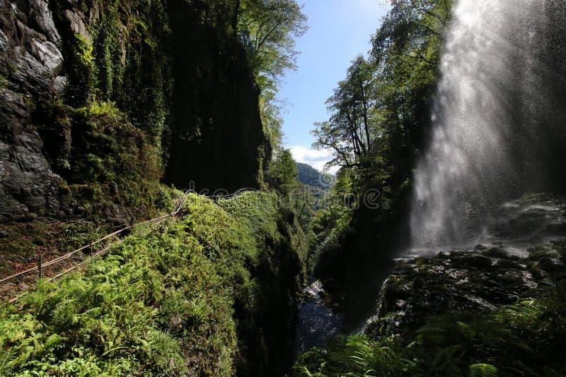 Grupo de Akarmar de cachoeiras Gigante da cachoeira imagens de stock