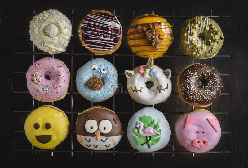 Grupo de anillos de espuma dulces fotografía de archivo