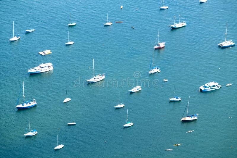 Grupo de barcos no porto, Rio de janeiro, Brasil fotos de stock royalty free
