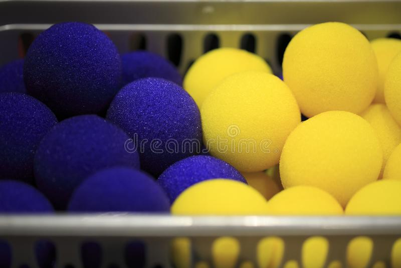 Grupo de bolas da espuma para mágicos imagem de stock