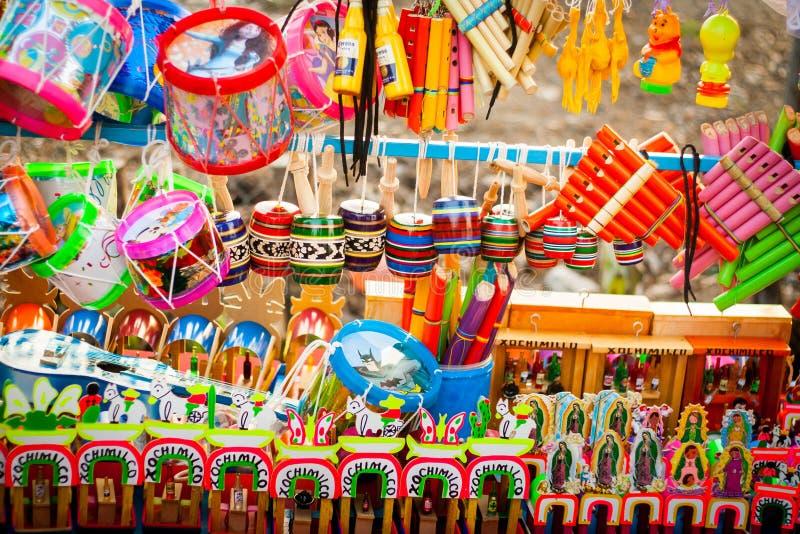 Grupo de brinquedos mexicanos tradicionais fotografia de stock royalty free