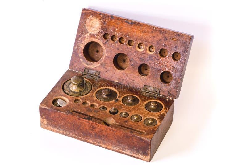 Grupo de bronze antigo da escala do peso imagens de stock