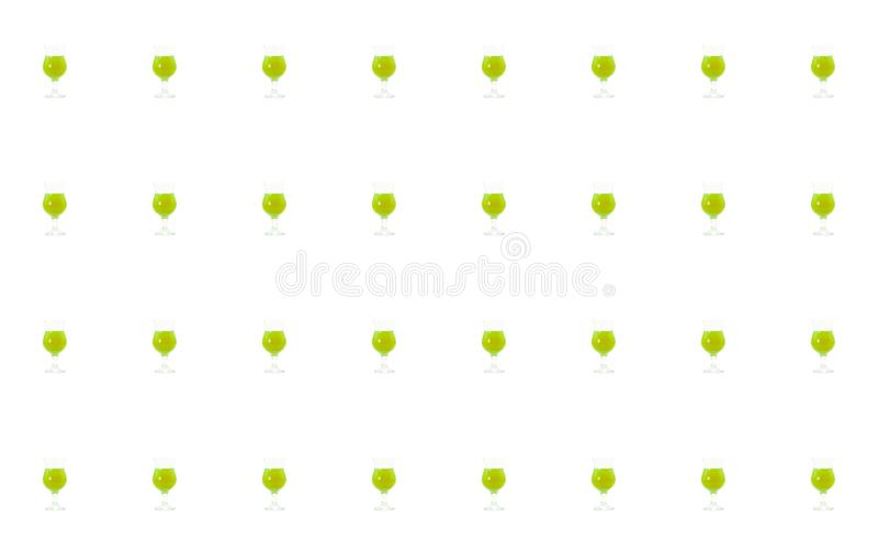 Grupo de cócteles verdes basados en diseño útil del menú de la base de la mezcla de los jarabes y de las frutas en el fondo blanc ilustración del vector