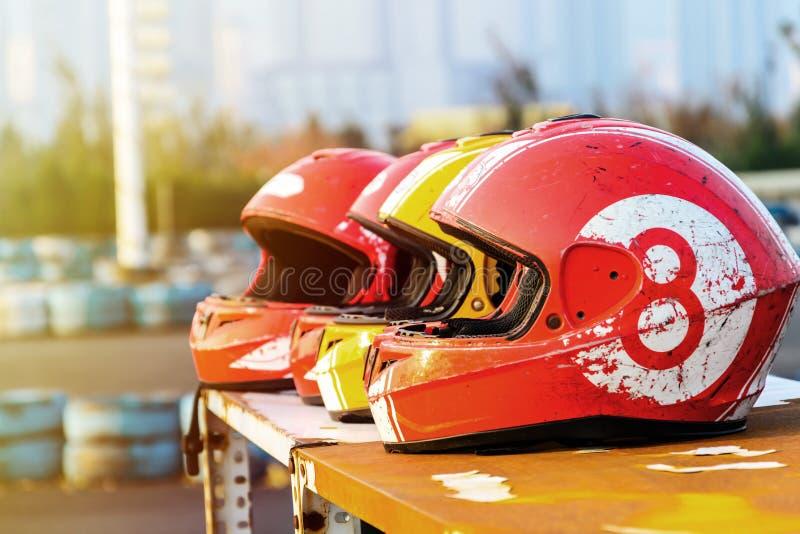 Grupo de casco para karting fotografía de archivo