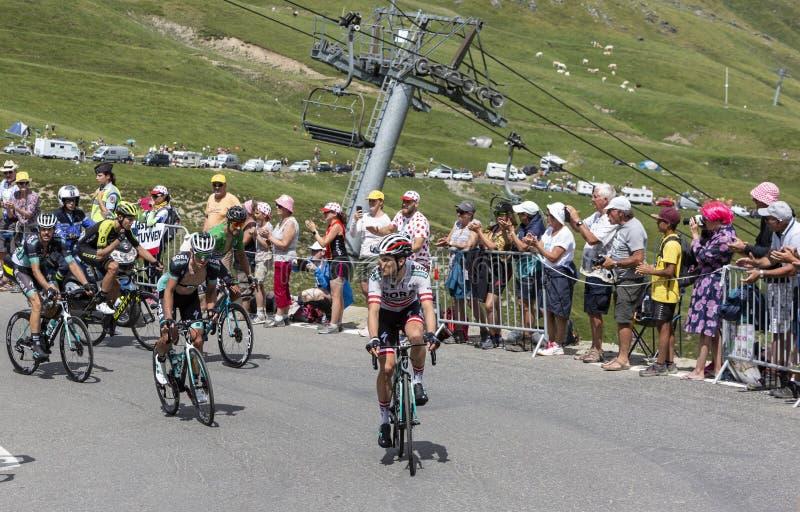 Grupo de ciclistas en Col du Tourmalet - Tour de France 2018 fotos de archivo