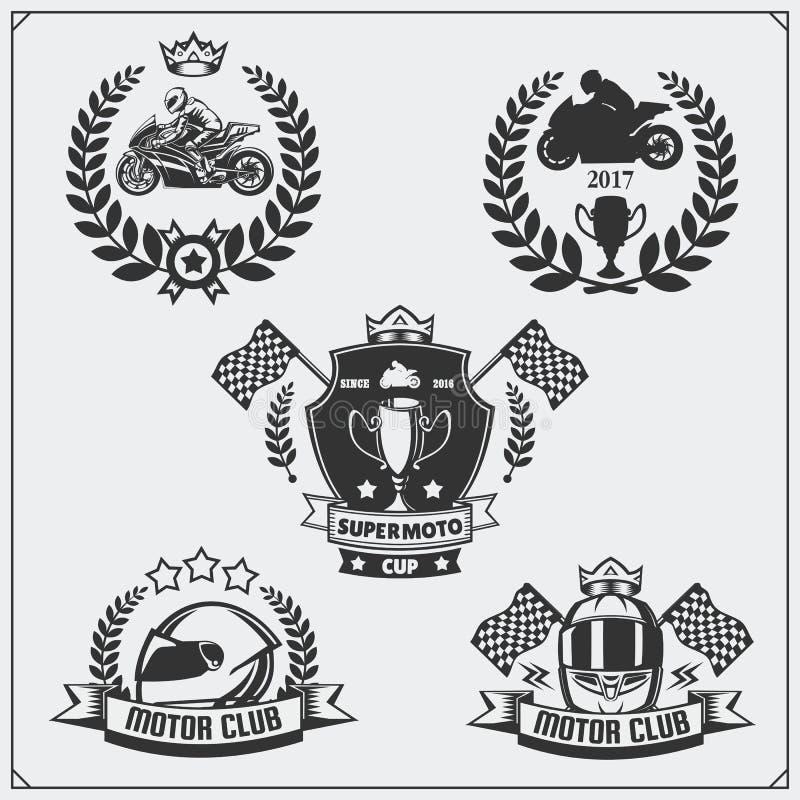 Grupo de competir emblemas da motocicleta, crachás, etiquetas e elementos do projeto ilustração royalty free