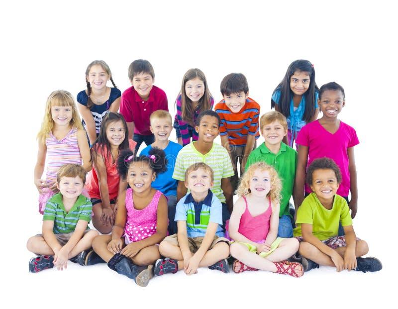 Grupo de crianças diversas no fundo branco foto de stock royalty free