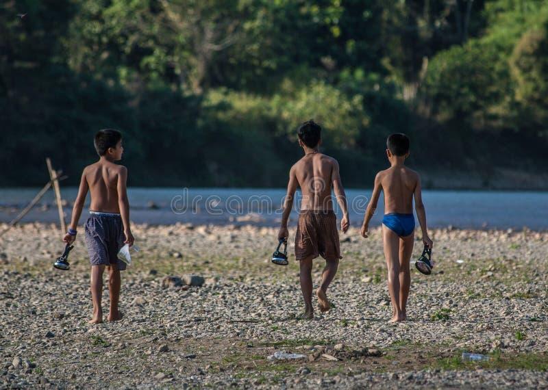 Grupo de crianças laotian imagem de stock royalty free