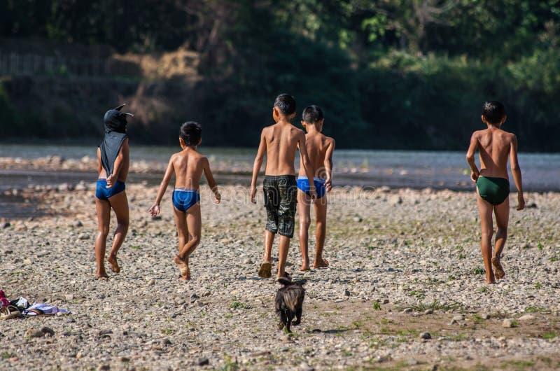 Grupo de crianças laotian foto de stock royalty free