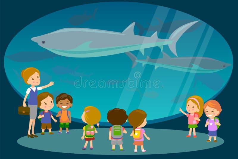 Grupo de crianças que olham tubarões na excursão do aquário do oceanaruim com um professor Estudantes da escola ou do jardim de i ilustração do vetor