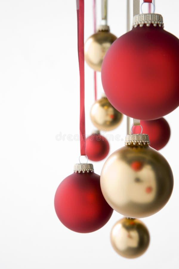 Grupo de decoraciones colgantes de la Navidad fotos de archivo