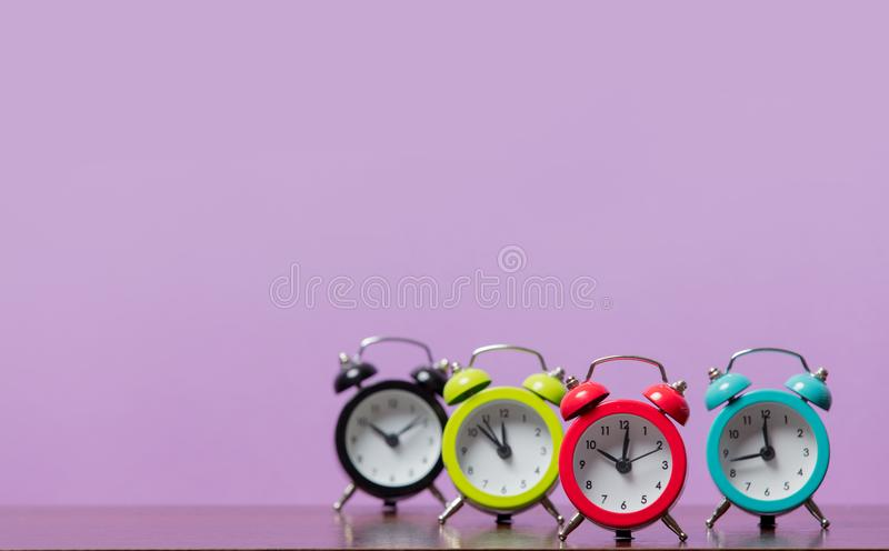Grupo de despertadores da cor foto de stock royalty free