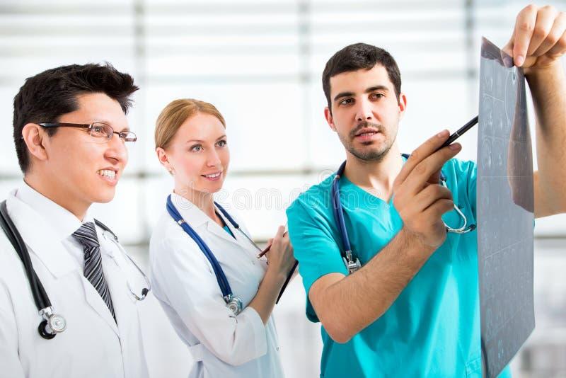 Download Grupo de doctores foto de archivo. Imagen de colega, médico - 42431280