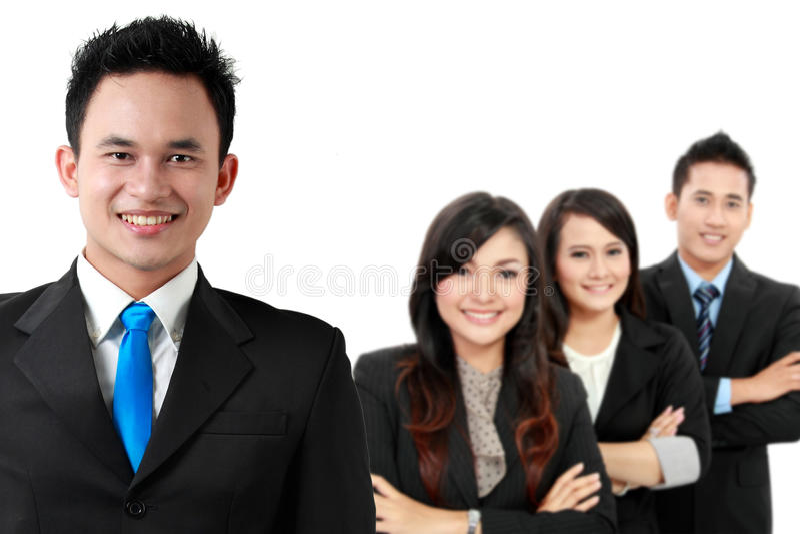 Grupo de empresário novo asiático, isolado no backgroun branco imagens de stock