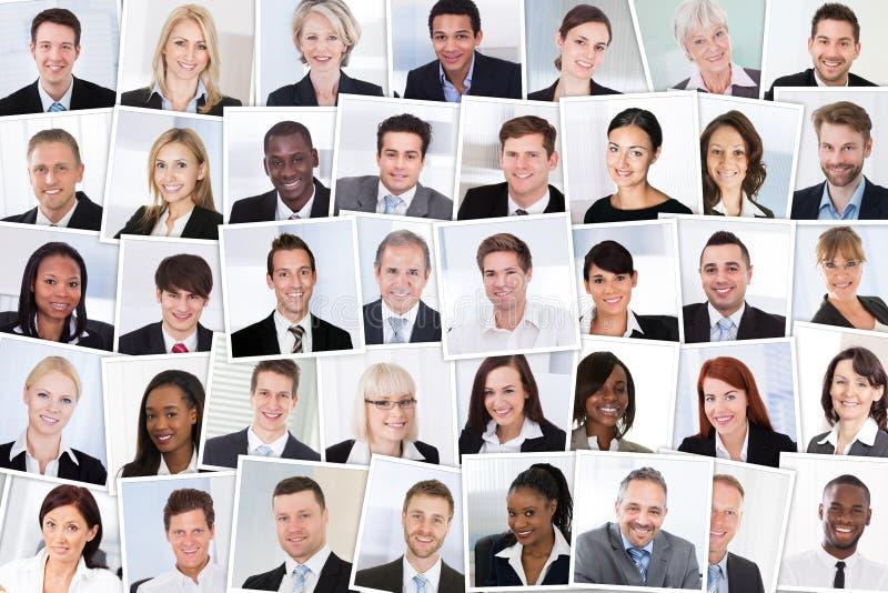 Grupo de empresários de sorriso imagem de stock