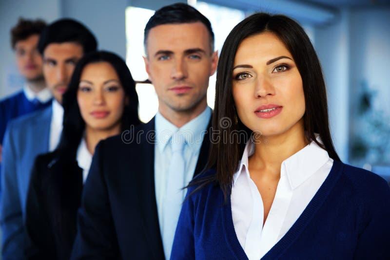 Grupo de empresários novos fotografia de stock