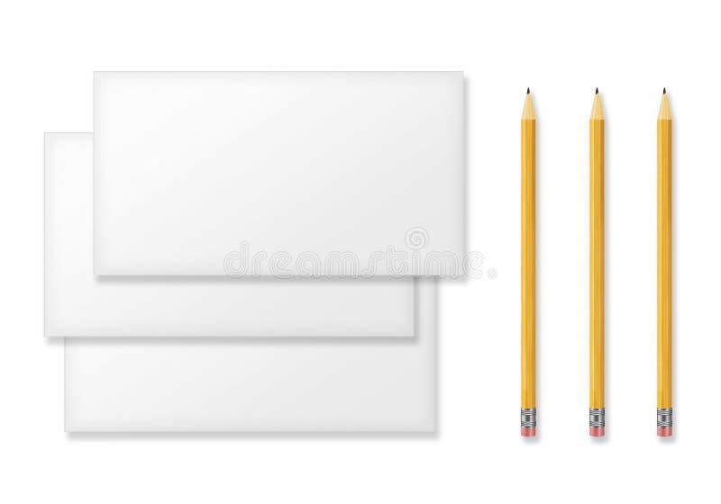 Grupo de envelopes vazios e de lápis amarelos no branco ilustração royalty free