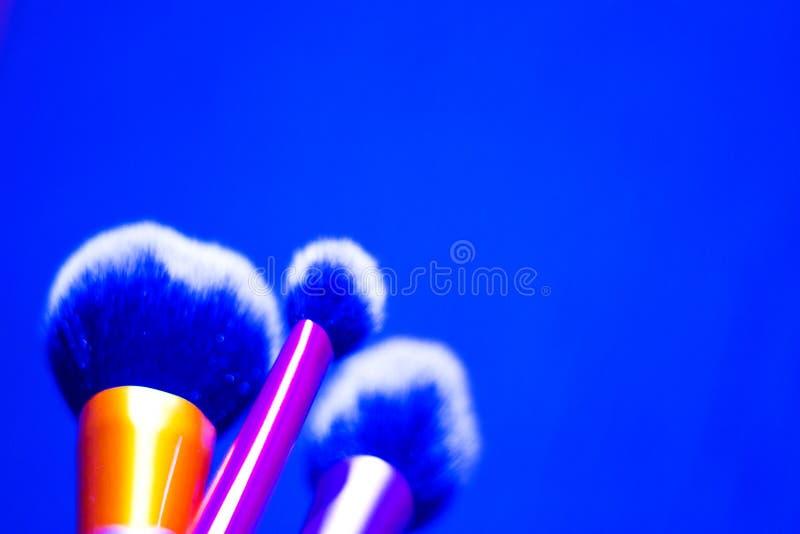 Grupo de escovas em tamanhos diferentes para a composição foto de stock royalty free
