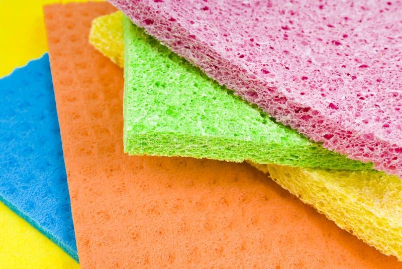 Grupo de esponjas da cozinha imagens de stock